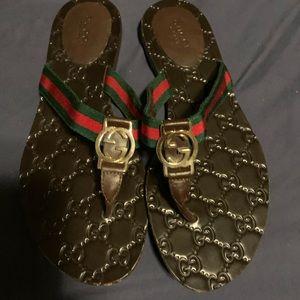 Gucci slides. Size 37.5. Worn twice. Good cond